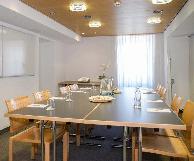 img_sala_meeting_forni